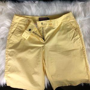 Vineyard Vines Yellow Shorts. Size 8